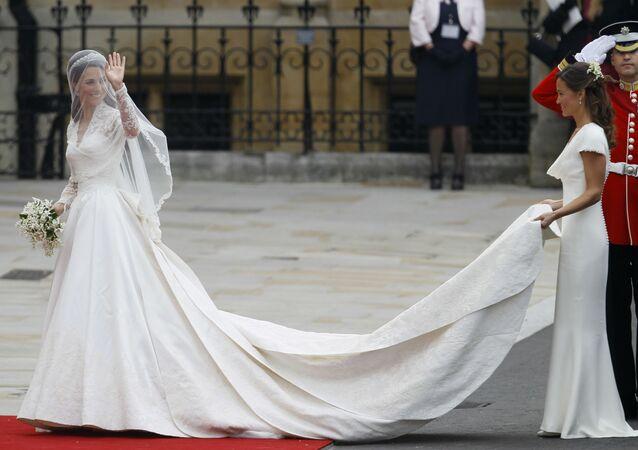 Elegantní nádhera. Svatební šaty královské rodiny Velké Británie