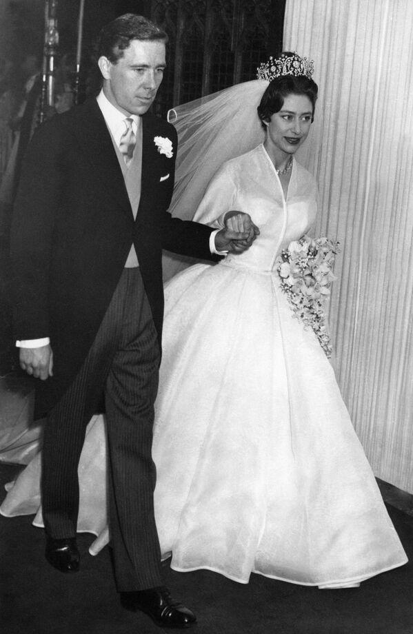 Elegantní nádhera. Svatební šaty královské rodiny Velké Británie - Sputnik Česká republika