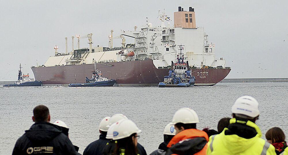Loď se zkapalněným plynem z USA