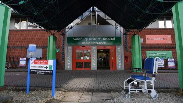 Vchod do nemocnice v Salisbury - Sputnik Česká republika