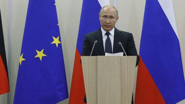 Angela Merkelová a Vladimir Putin v Soči - Sputnik Česká republika