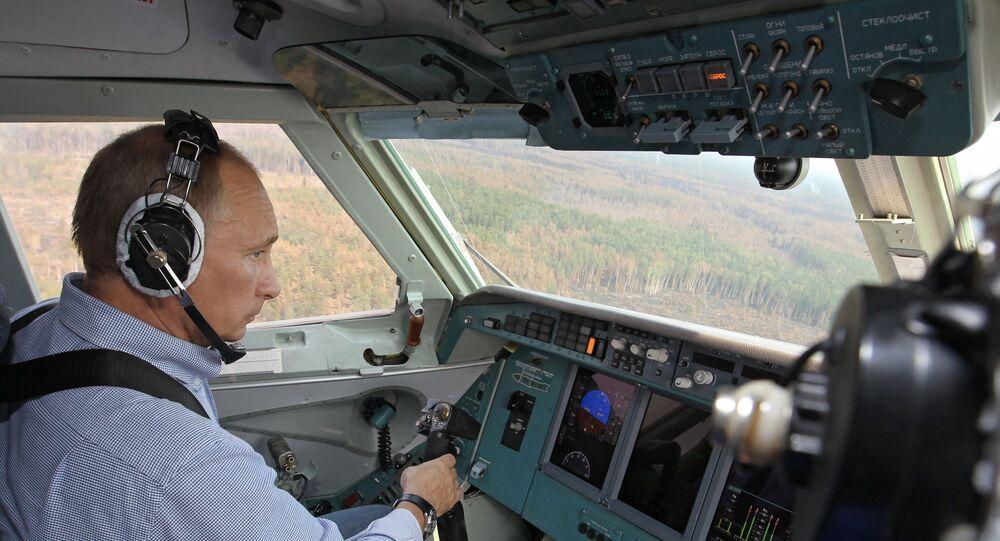 Vladimir Putin za kniplem obojživelného letounu Be-200