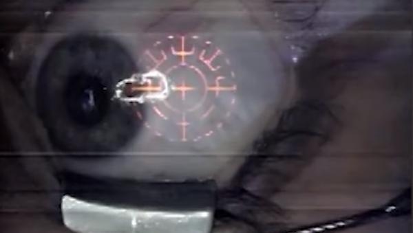Nový oslepující trend: ženy si nechávají implantovat šperky přímo do očí - Sputnik Česká republika