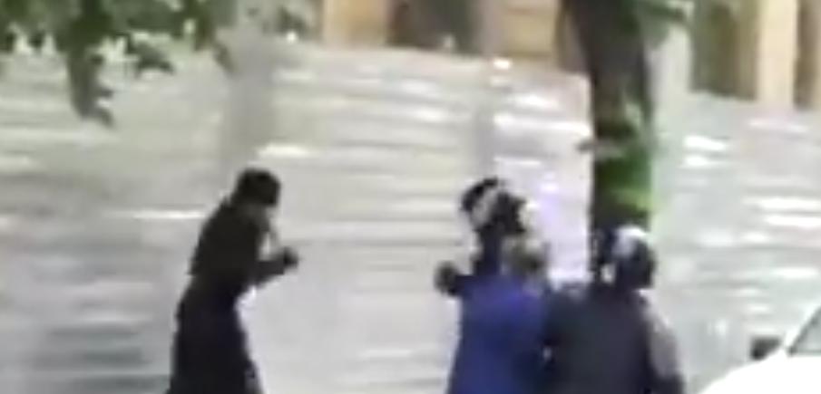 Rvačka kněží s policisty v Kišiněvě