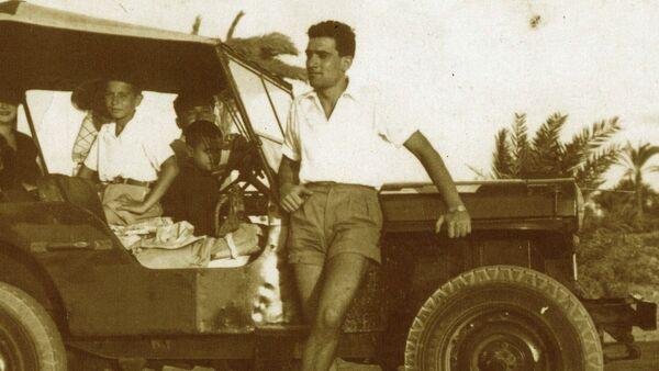 Eli Cohen en el canal de Suez - Sputnik Česká republika