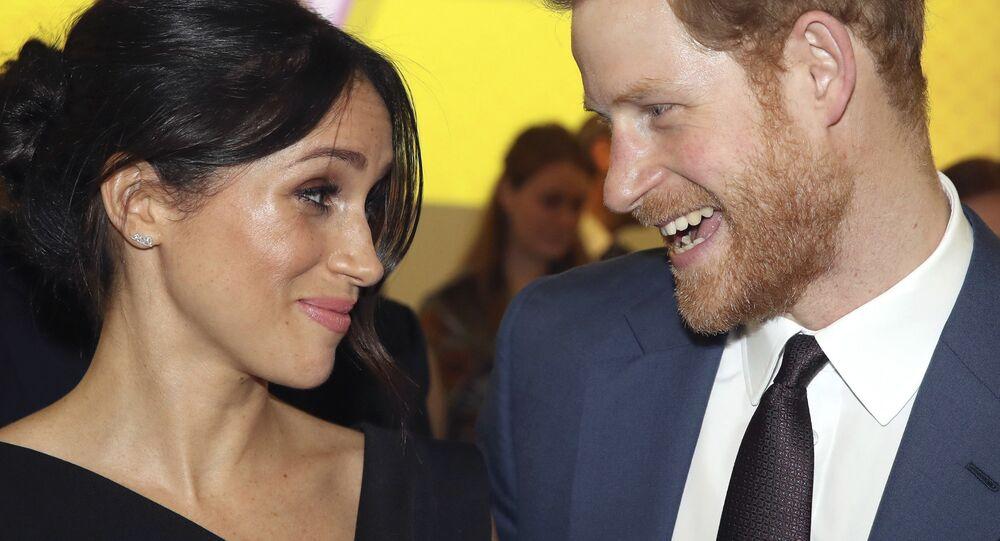Mohl by princ Harry s manželkou Meghan přijít o miliony liber?