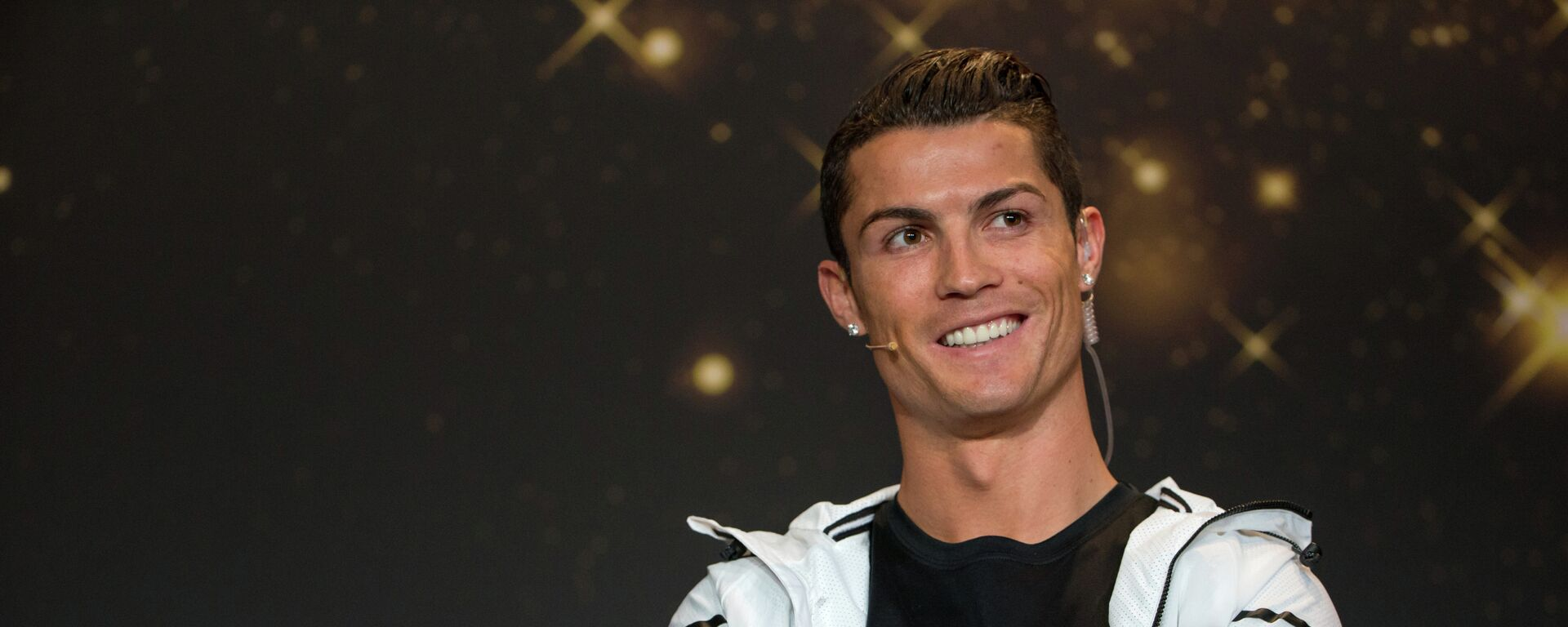 FIFA Ballon d'Or nominee Cristiano Ronaldo of Portugal and Real Madrid attends a press conference prior to the FIFA Ballon d'Or Gala 2014 at the Kongresshaus on January 12, 2015 in Zurich, Switzerland - Sputnik Česká republika, 1920, 27.08.2021