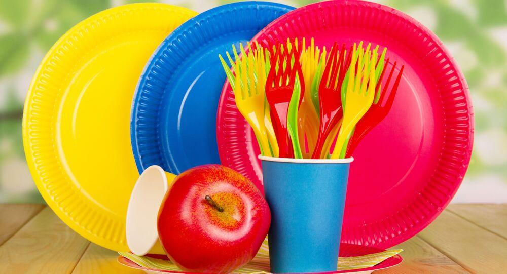 Plástové nádobí