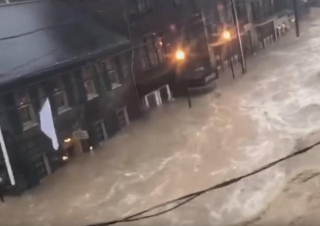 """V USA bylo zaplaveno město, které se právě """"vyhrabalo"""" ze záplav"""