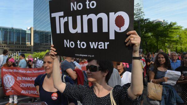 Protestní akce proti Trumpovi v Bruselu - Sputnik Česká republika