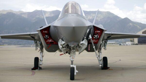 Americký stíhací letoun F-35 - Sputnik Česká republika