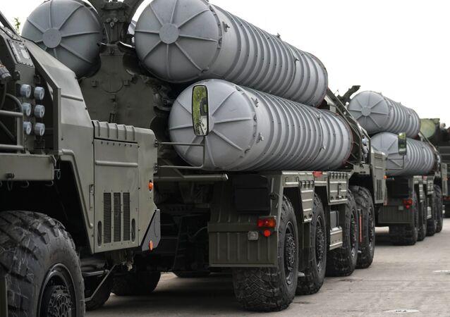 Raketový komplex S-400