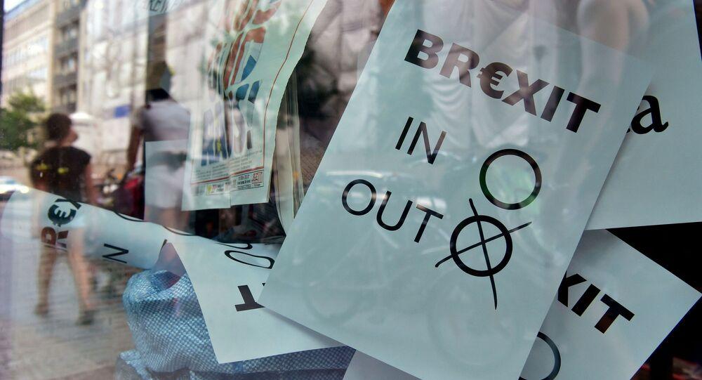 Výsledky referenda ve výloze obchodu