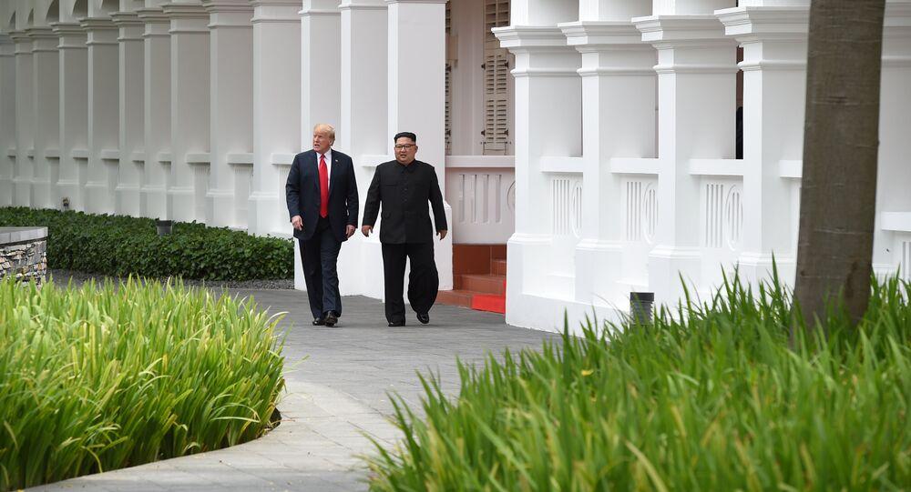 Americký prezident s lídrem KLDR v Singapuru