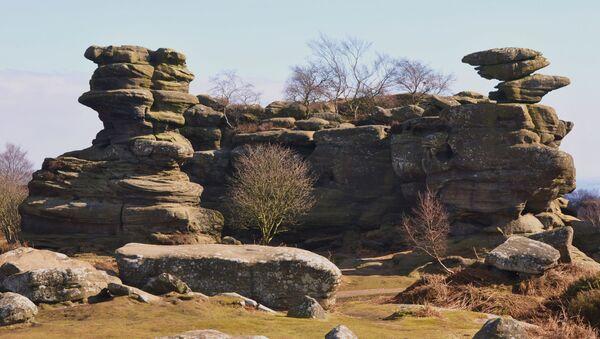 Balancující Brimhamovy kameny na severu Anglie - Sputnik Česká republika