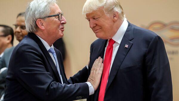 Donald Trump a Jean-Claude Juncker - Sputnik Česká republika