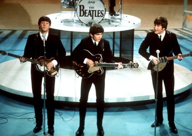 The Beatles během vystoupení v New Yorku