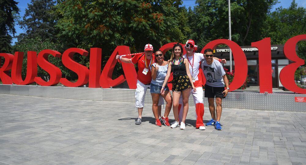 Švýcarští a brazilští fanoušci.