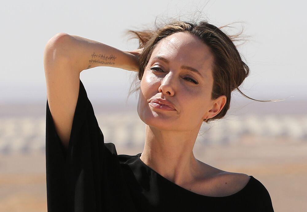 Herečka Angelina Jolie v Mosulu