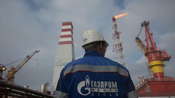 Platforma na těžbu plynu Prirazlomnaja v Pečorském moři - Sputnik Česká republika