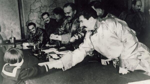 Josif Stalin a Gelja Markizova - Sputnik Česká republika