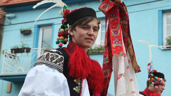 Mladík v tradičním moravském kroji. Ilustrační foto - Sputnik Česká republika