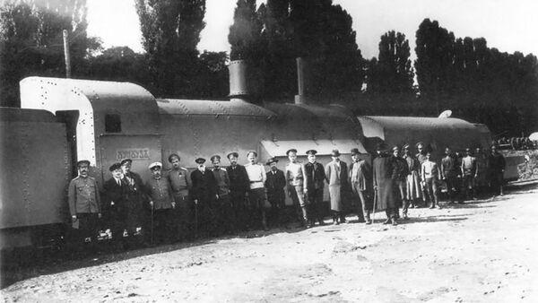 Obrněný vlak Chunchuz v Kyjevě - Sputnik Česká republika