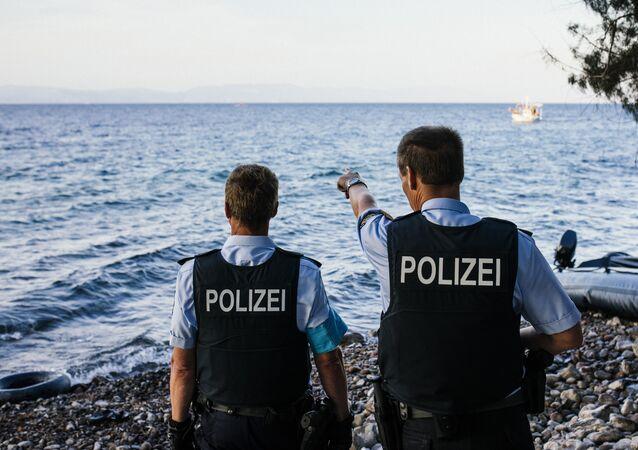 Příslušníci Frontexu. Ilustrační foto