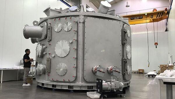 Vakuová komora na laserové a plamenné zkoušky - Sputnik Česká republika