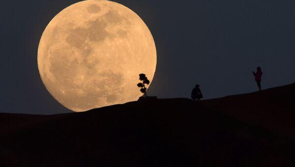 Superměsíc v Los Angeles - Sputnik Česká republika