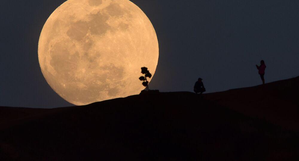 Superměsíc v Los Angeles