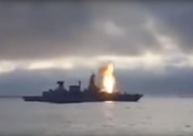 Německá fregata se stala obětí americké rakety