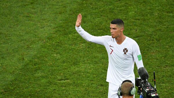 Cristiano Ronaldo po prohraném zápase s Uruguayí na MS 2018 - Sputnik Česká republika