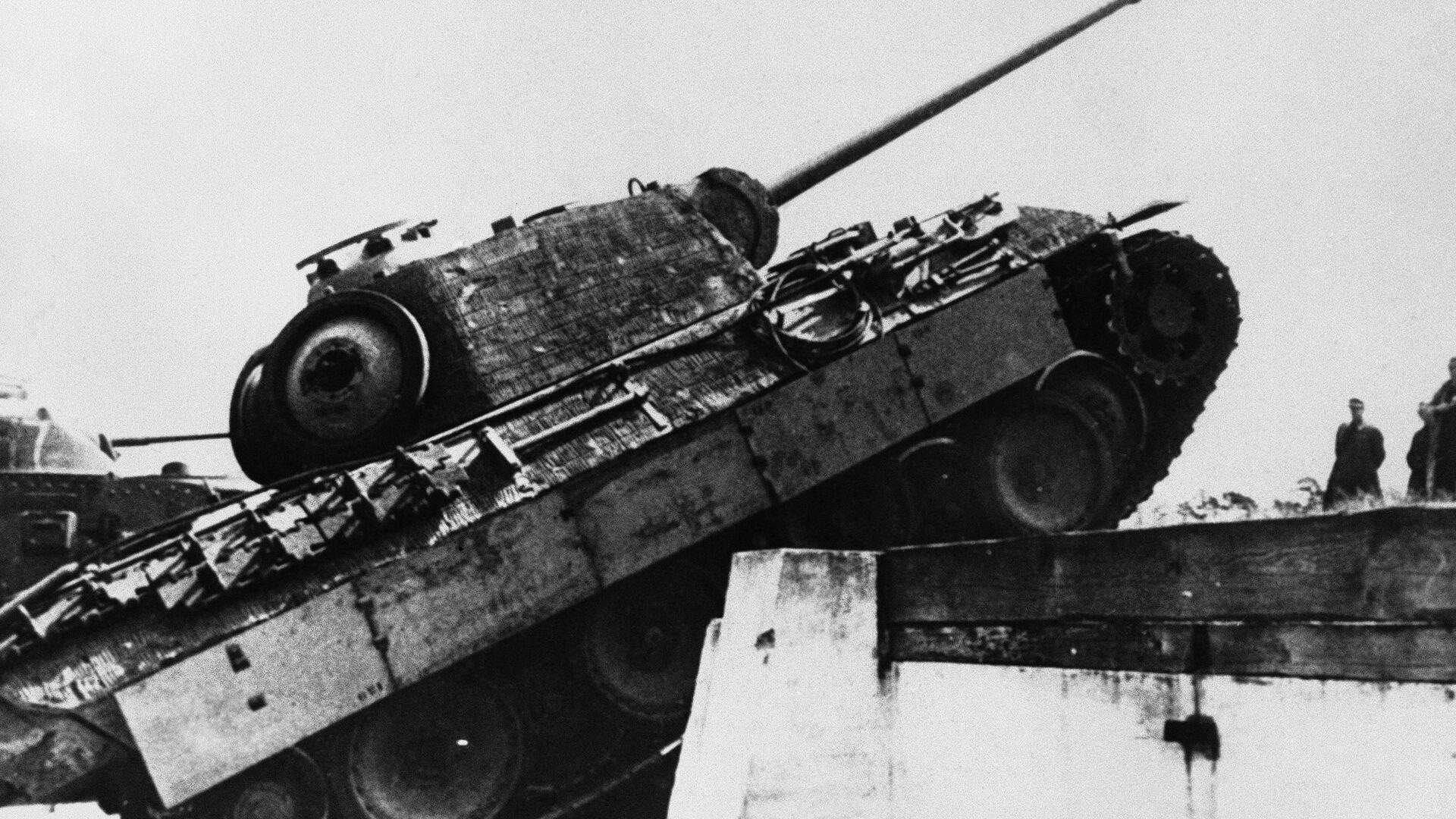 Tank Panther z 2. světové války - Sputnik Česká republika, 1920, 04.08.2021