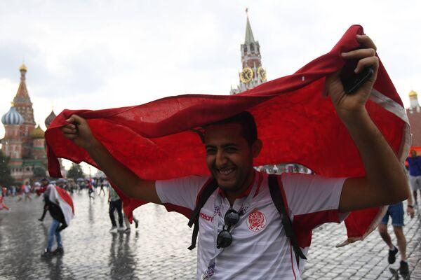 Fotbaloví fanoušci Světového poháru 2018 na Rudém náměstí v Moskvě, 2018 - Sputnik Česká republika