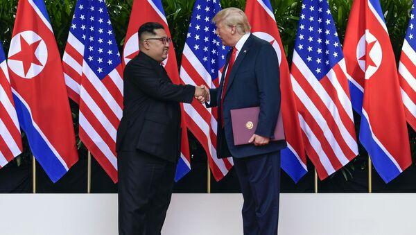 Kim Čong-un a Donald Trump - Sputnik Česká republika