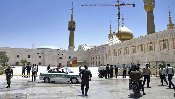 Policie v Teheránu po teroristickém útoku 7. června 2017 - Sputnik Česká republika