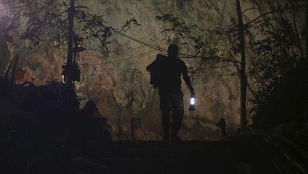 Operace na záchranu dětí z jeskyně v Thajsku - Sputnik Česká republika