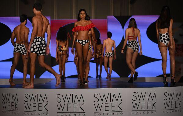 Slunce, moře, pláž a minimum oblečení. Na Srí Lance se konal Týden plážové módy - Sputnik Česká republika