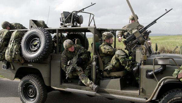 Čeští vojáci během vojenských cvičení NATO The Noble Jump - Sputnik Česká republika