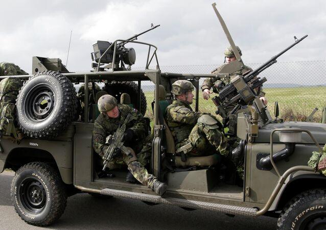 Čeští vojáci během vojenských cvičení NATO The Noble Jump