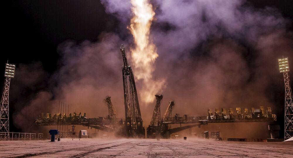Start kosmické lodi Sojuz TMA-17M k Mezinárodní vesmírné stanice (ISS) z kosmodromu Bajkonur.