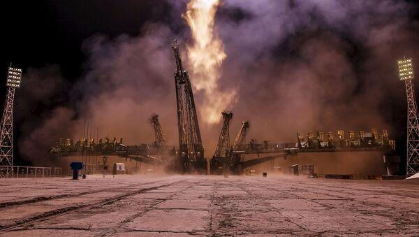 Start kosmické lodi Sojuz TMA-17M k Mezinárodní vesmírné stanice (ISS) z kosmodromu Bajkonur. - Sputnik Česká republika