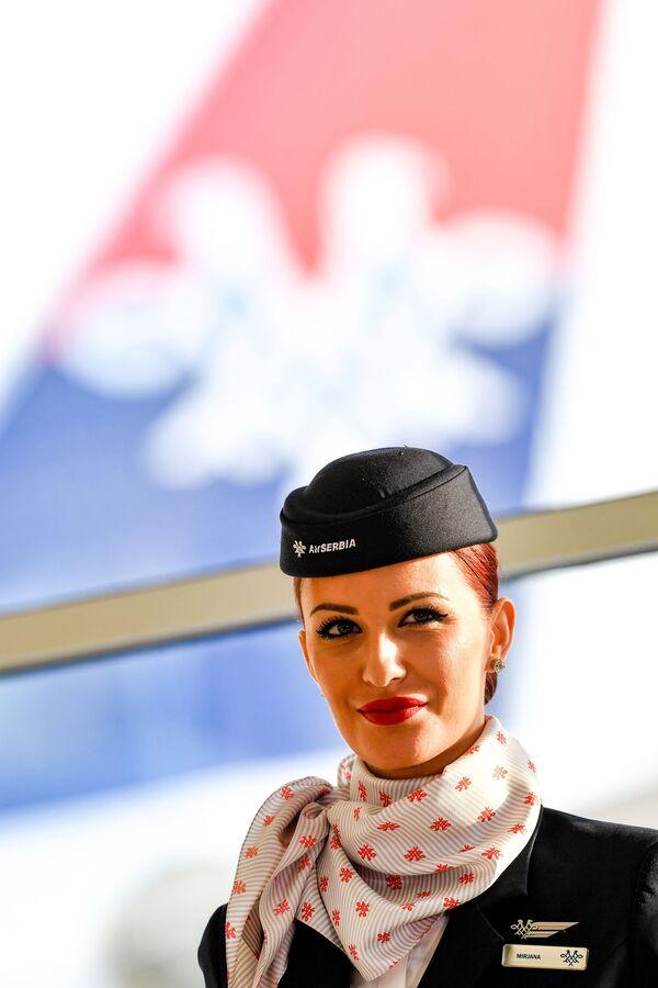 Letuška aerolinek Air Serbia v Bělehradu - Sputnik Česká republika
