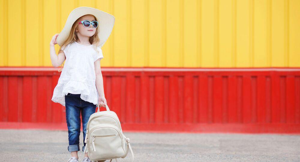 Malá školačka. Ilustrační foto