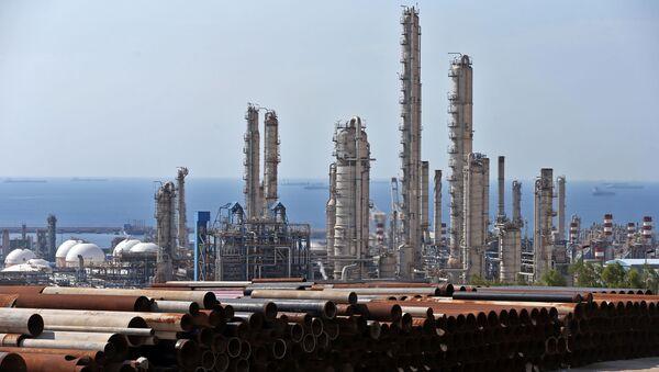 Petrochemický závod v Íránu - Sputnik Česká republika