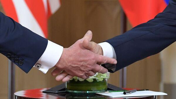 Stisknutí ruky. Ilustrační foto - Sputnik Česká republika