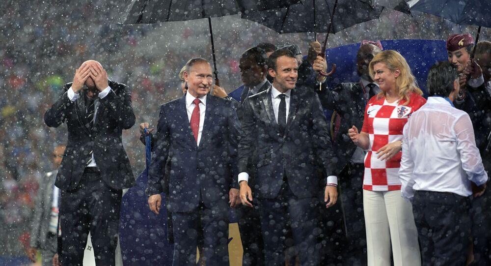 Vladimir Putin, Emmanuel Macron a Kolinda Grabarová Kitarovićová