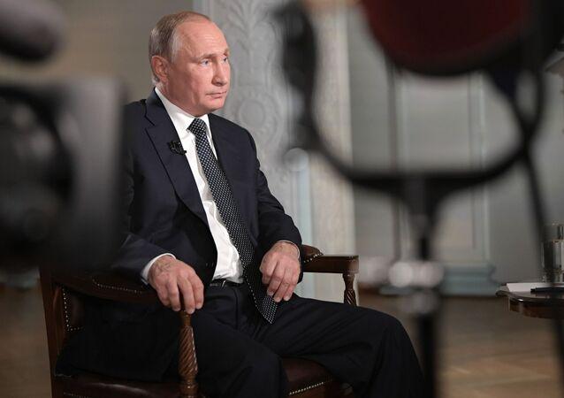 Ruský prezident Vladimir Putin během rozhovoru pro televizi Fox News