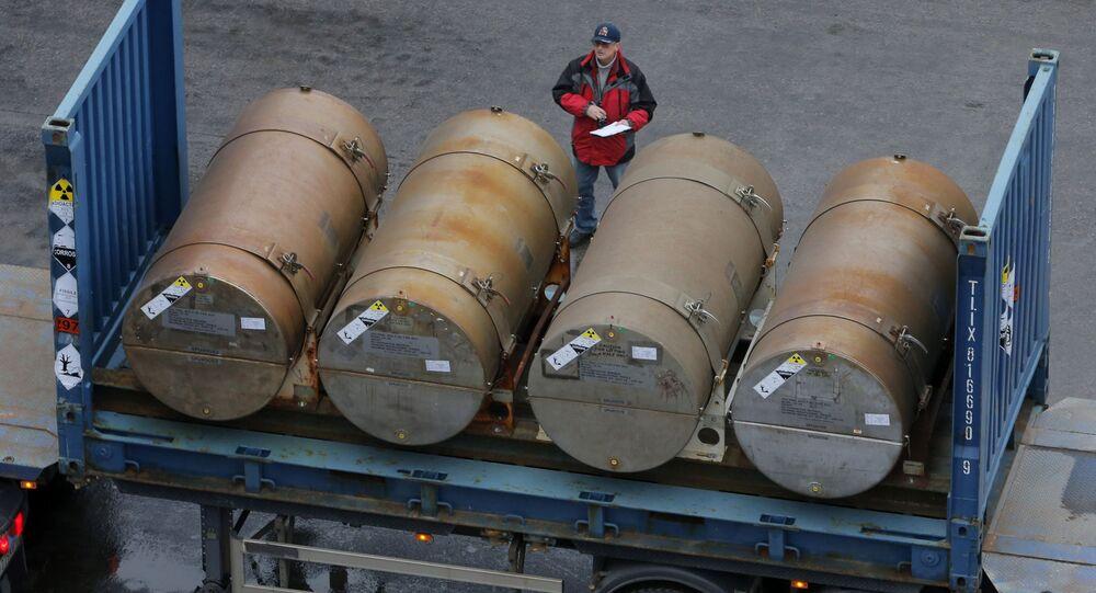 Sudy s uranem v petrohradském přístavu